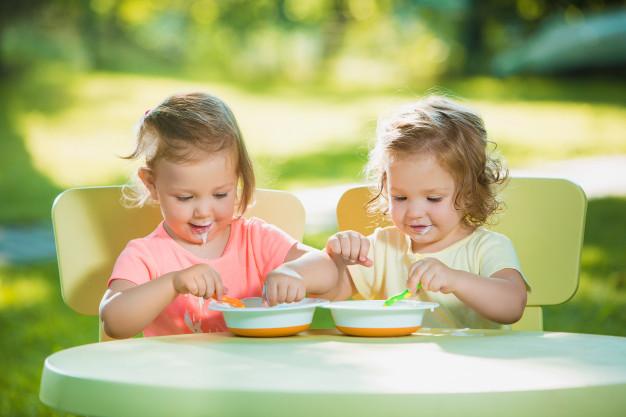 Chế độ dinh dưỡng và sinh hoạt khoa học giúp giảm triệu chứng trào ngược dạ dày thực quản cho trẻ