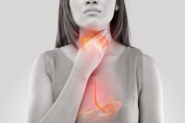 trào ngược dạ dày thực quản gây đau khi nuốt nước bọt