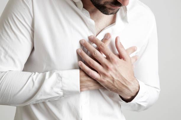 Tức ngực khó thở về đêm do tâm lý căng thẳng, stress