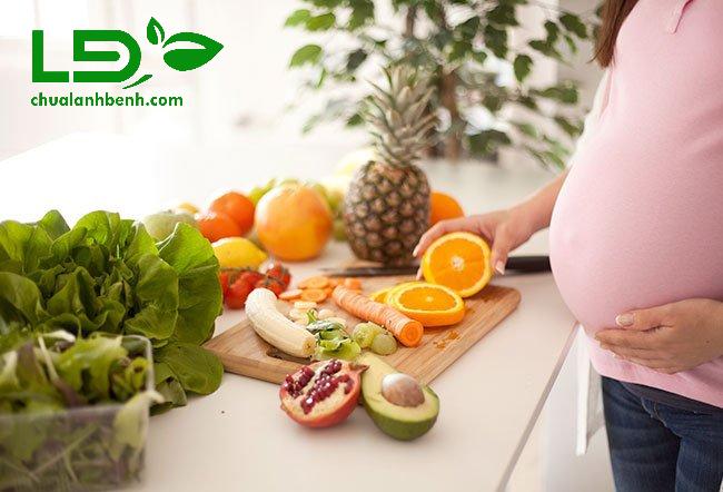 Thiếu hụt dinh dưỡng gây tê bì chân tay sau sinh